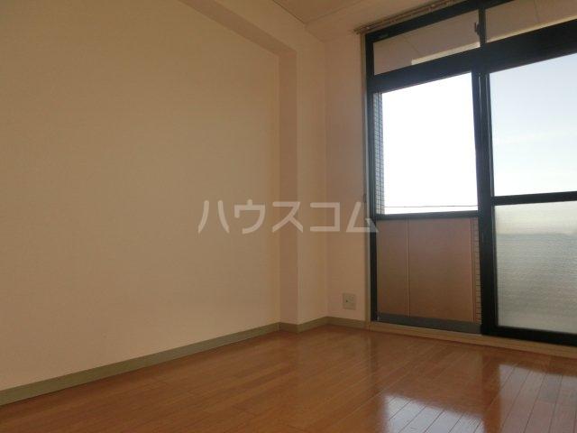 グランディールYOKOYAMA Ⅱ(グランディールヨコヤマ) 00303号室のリビング