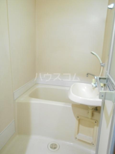 ハイツラフォーレⅡ 105号室の風呂