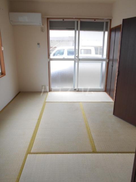 ハイツラフォーレⅡ 105号室の居室