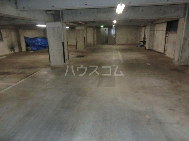 小金井NSハウス 311号室の駐車場