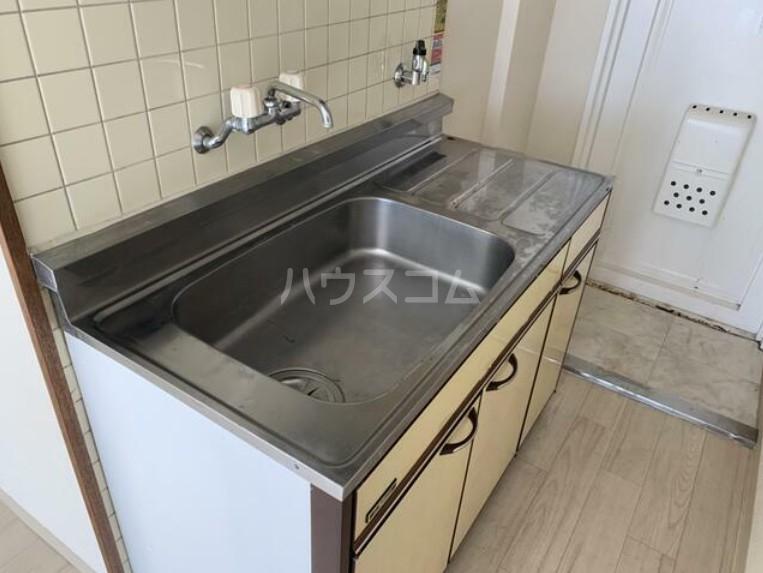 メゾン・ド・パピヨン 205号室のキッチン