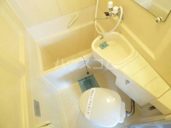 メゾン・ド・パピヨン 205号室の風呂