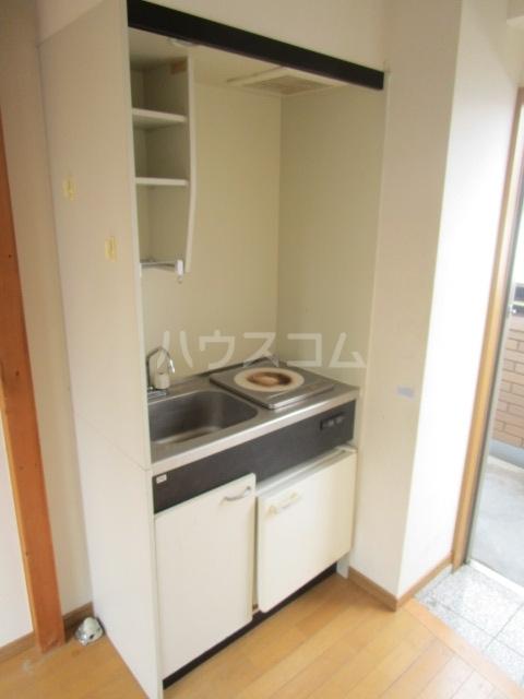 ウェルネス国分寺 302号室のキッチン