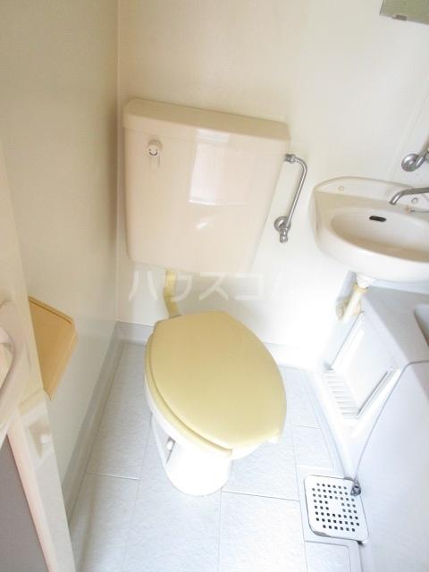 ウェルネス国分寺 302号室のトイレ