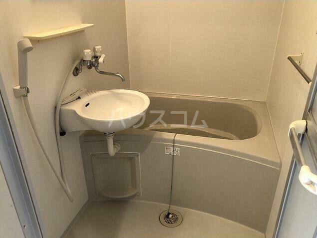 ジョリエ大岡山 208号室の風呂