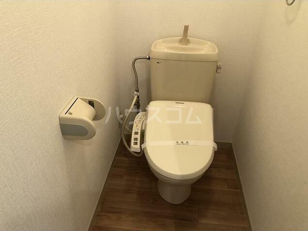 ジョリエ大岡山 208号室のトイレ