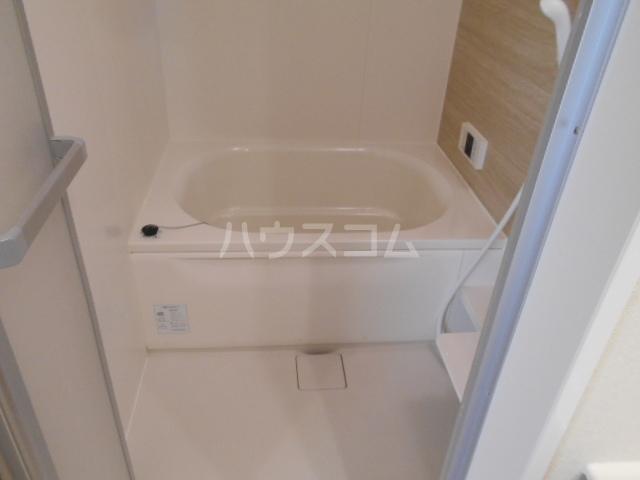 オマージュA 203号室の風呂