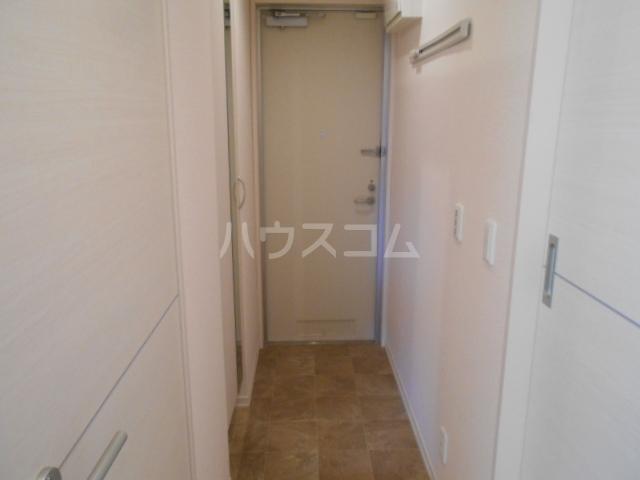 オマージュA 203号室の玄関