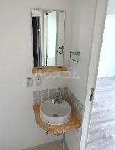 ジョイ尾山台 402号室の洗面所