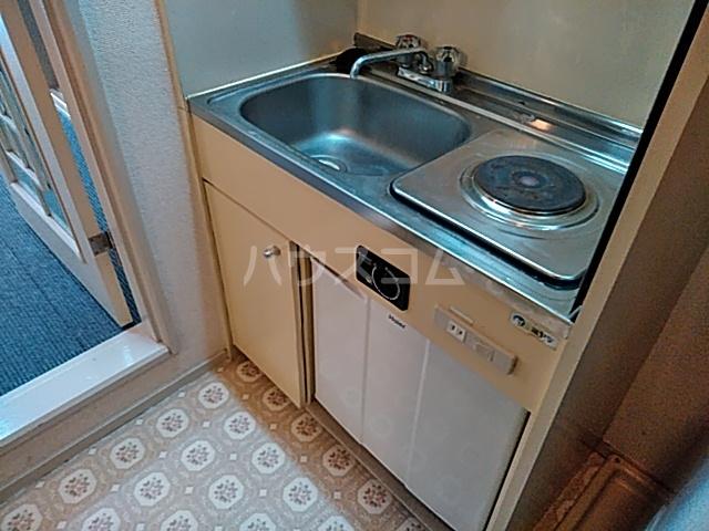 ヴァンヴェール 102号室のキッチン