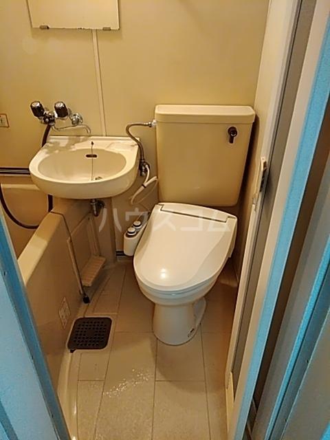 ヴァンヴェール 102号室のトイレ