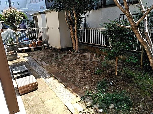 上山口貸家の庭
