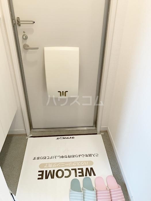 ソル・グランデ 101号室の玄関