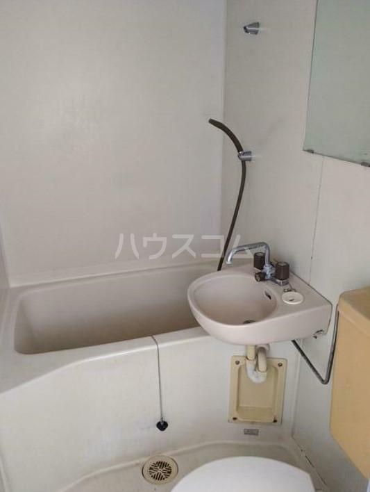 メゾン高輪 103号室の風呂