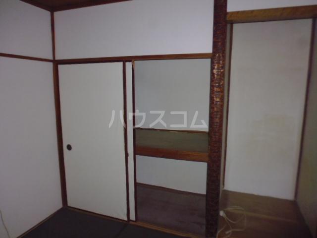 東初富4-4戸建の居室