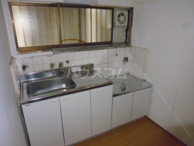 東初富4-4戸建のキッチン