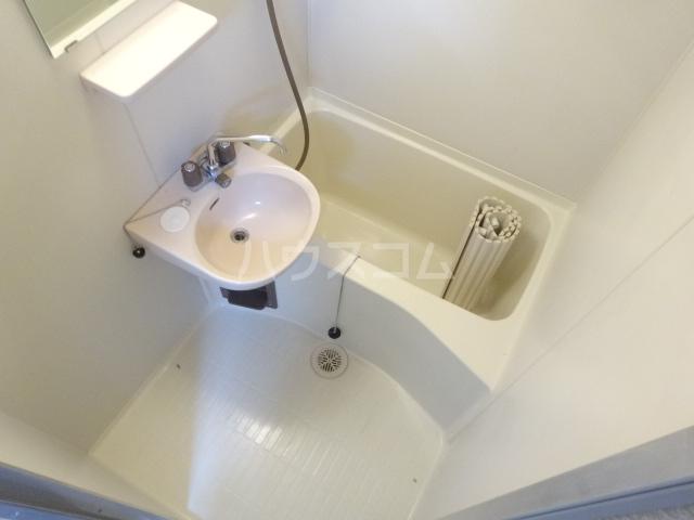 メゾン秀芳 0303号室の風呂