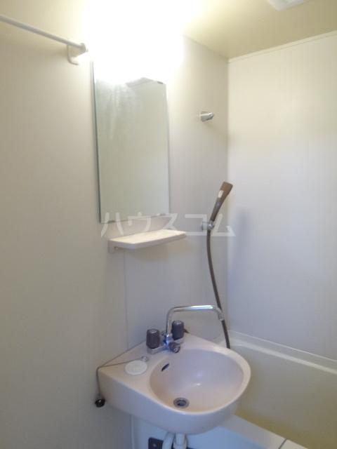 メゾン秀芳 0303号室の洗面所