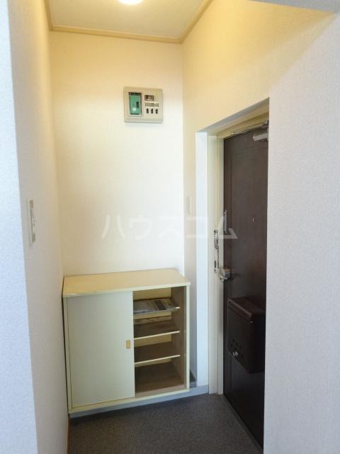 メゾン秀芳 0303号室の玄関