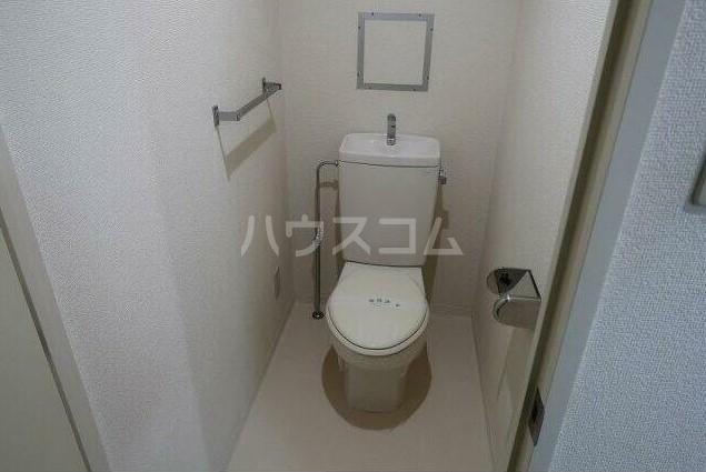 ピュアハイツ 204号室のトイレ