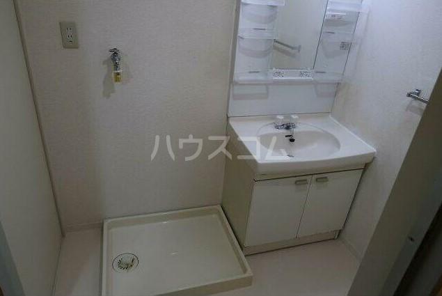 ピュアハイツ 204号室の洗面所