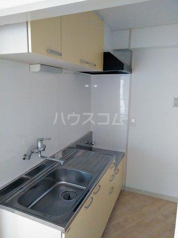 佐々木コーポ 403号室のキッチン