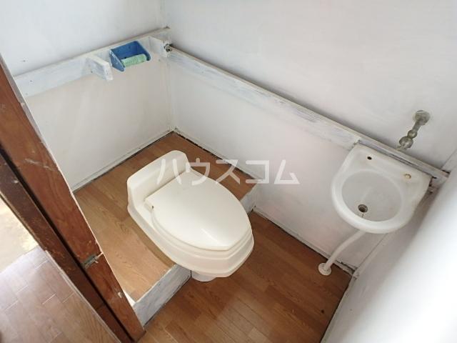 竹内貸家 6号室のトイレ
