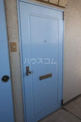 ドール薬師通 403号室の玄関