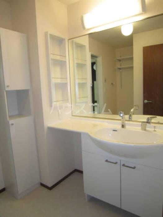 グランメゾン 302号室の洗面所