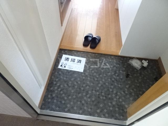 プライムコート 407号室の玄関