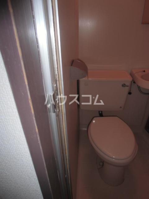 コーラルハイツ中山 201号室のトイレ