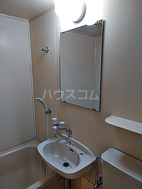 佐伯ビル 205号室の洗面所