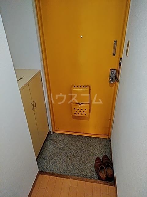 佐伯ビル 205号室の玄関