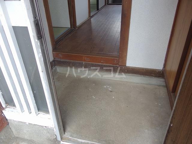 守屋貸家の玄関