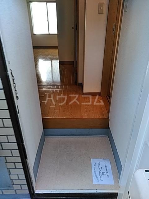 松原マンションの玄関