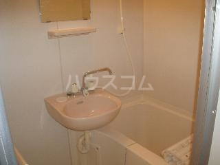 ロイヤルコート壱番館 101号室の風呂