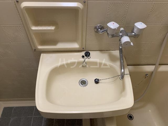 コンフォート豊中リバーサイドⅡ 107号室の洗面所