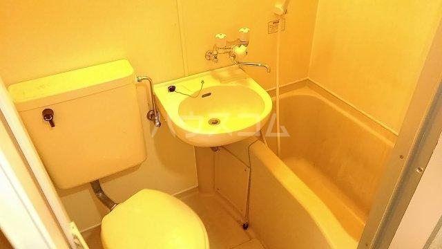 ヴェラハイツ鶴見 205号室の風呂