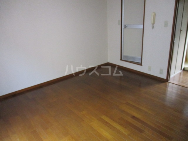 コーポパイン 202号室の居室
