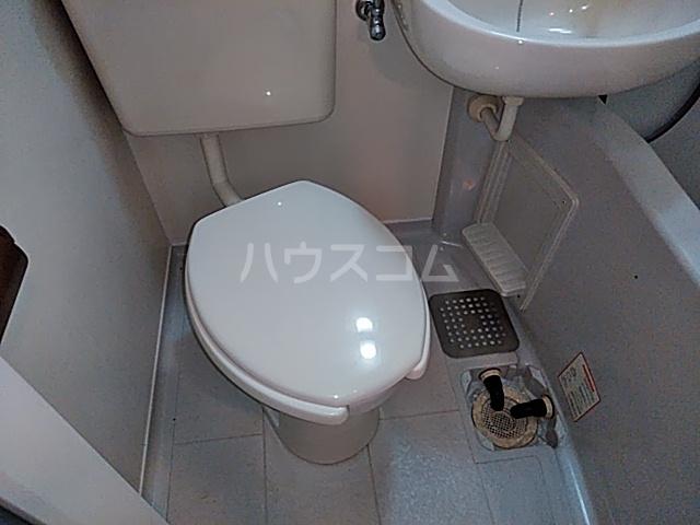 スペースイン笠寺 203号室のトイレ