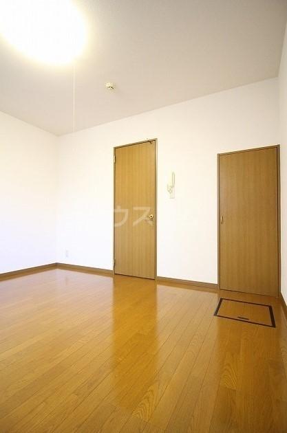 アムール桜屋 101号室のリビング