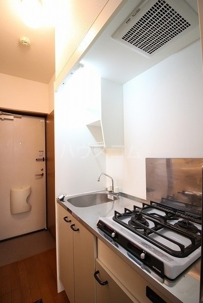 アムール桜屋 101号室のキッチン