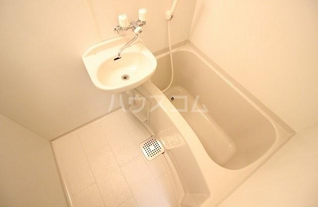 アムール桜屋 101号室の風呂