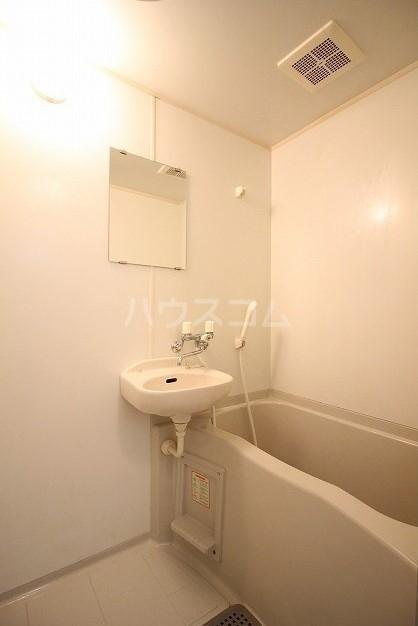 アムール桜屋 101号室の洗面所