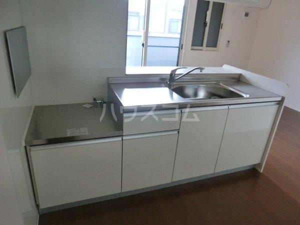 サザンクロス B 101号室のキッチン