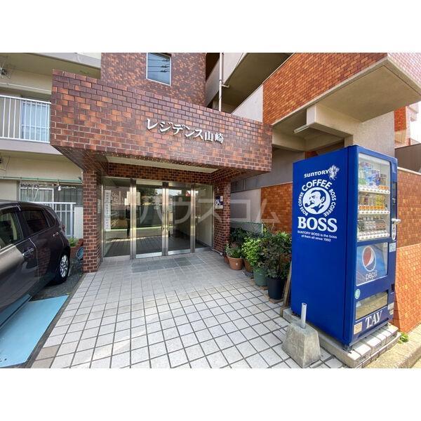 レジデンス山崎 405号室の駐車場