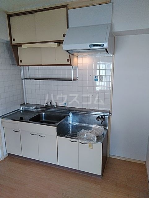 レジデンス山崎 405号室のキッチン
