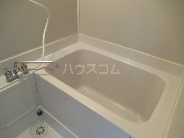 トランキル峯 102号室の風呂