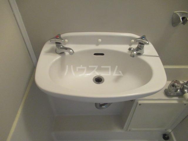 トランキル峯 102号室の洗面所