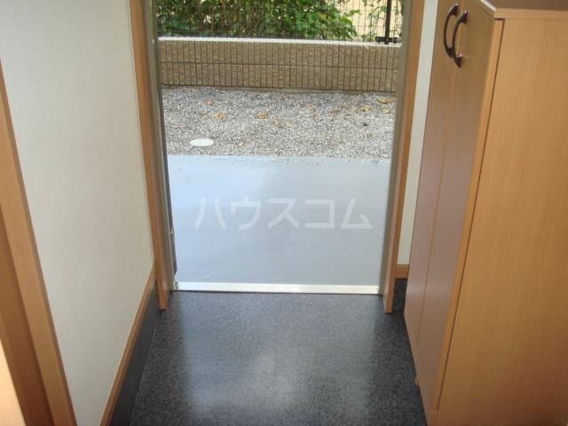 アクアサイドⅡ 201号室の玄関